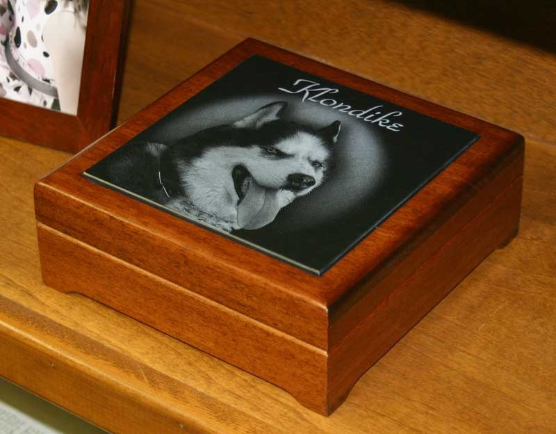6 x 6 Mahogany Memorial Keepsake Box